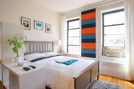 Modern, bright studio in UES