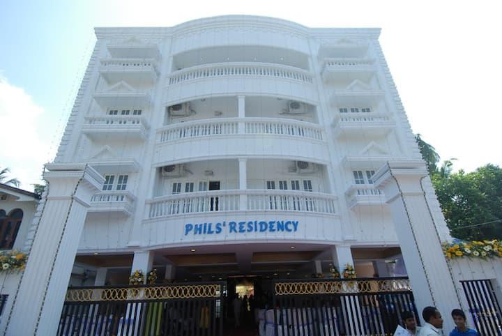 PHIL'S RESIDENCY