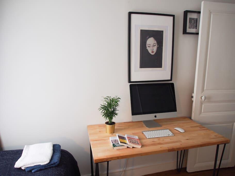 In the single-bed configuration you will have a nice wooden desk (which we built ourselves) for private use.