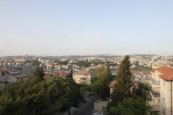 JERUSALEM PENTHOUSE with Old City View & Amenities