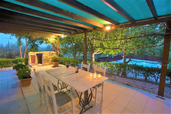 Charming sea view villa with pool & olive grove - Maroulas - Willa