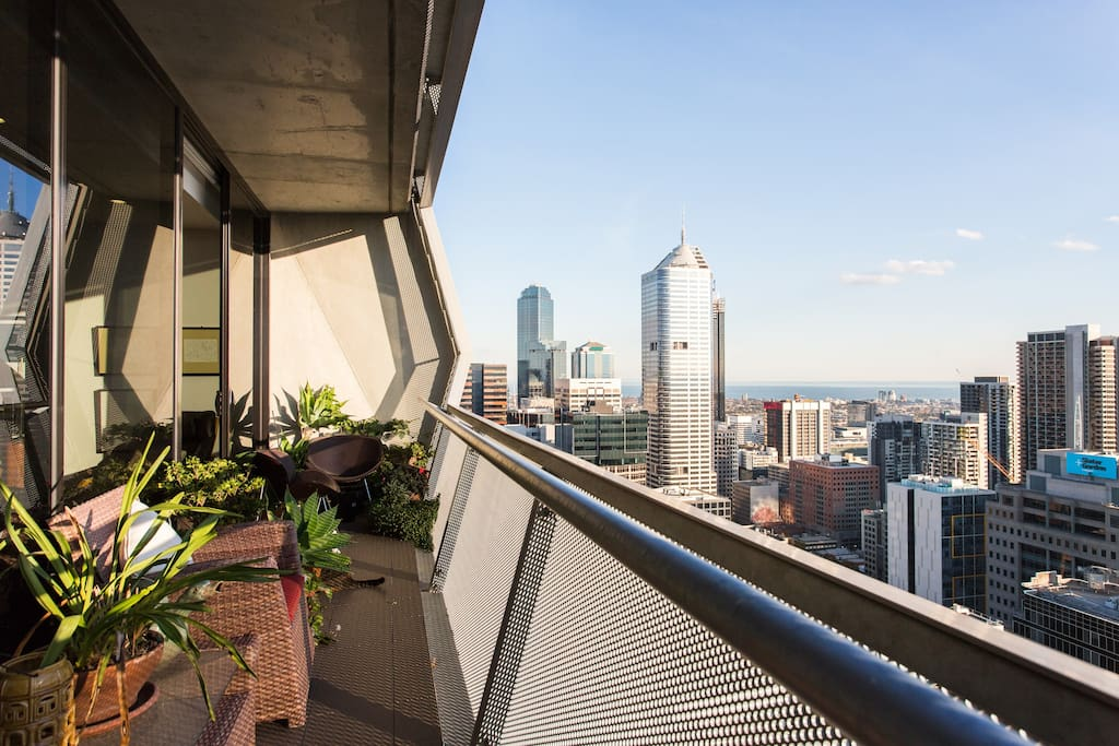 Full length balcony with spectacular views over Melbourne