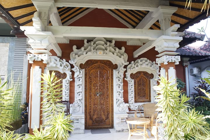 Spectacular Bungalow Bali Style and Pool with A/C