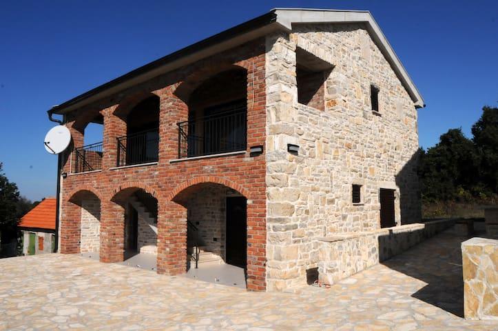 Guesthouse Korlat - Korlat - Casa