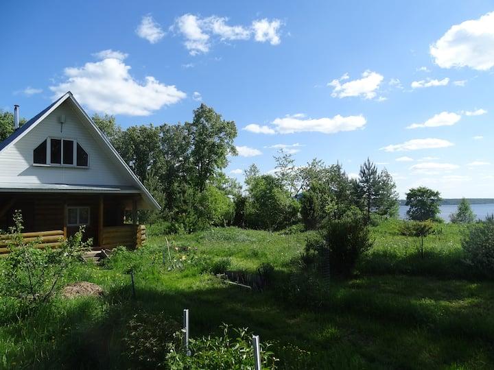 Дом с прекрасным видом на Волгу