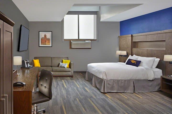 Scholar Hotel Morgantown - ADA Queen
