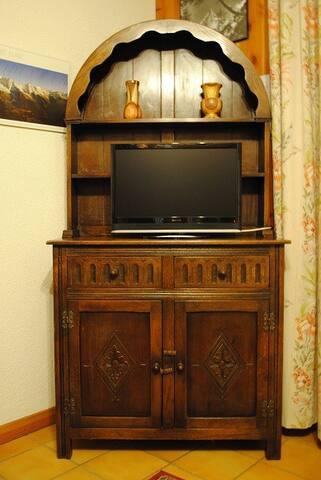 meuble avec télé