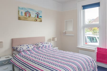 Double ensuite room in Alum Chine - Bournemouth