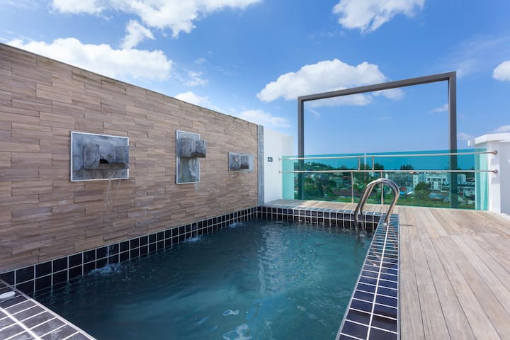 3 BR Seaview Penthouse with private pool