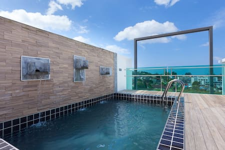 Seaview Penthouse with private pool - Phuket