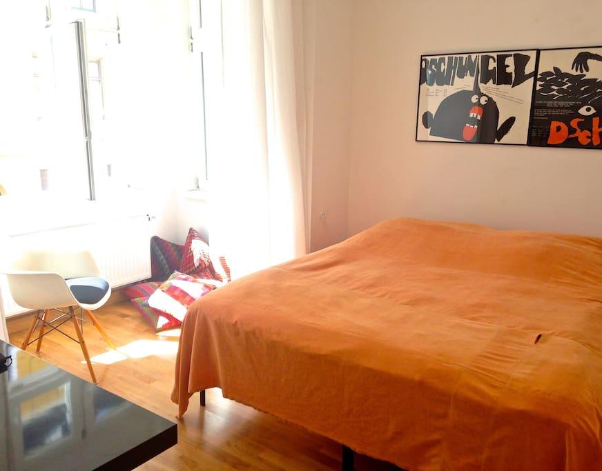 Schlafzimmer mit Erker