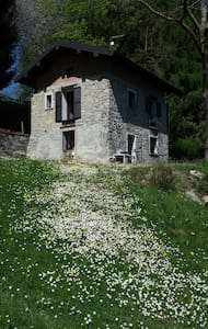 PACELUCE, flat in stones house in the green - Veglio - Huoneisto