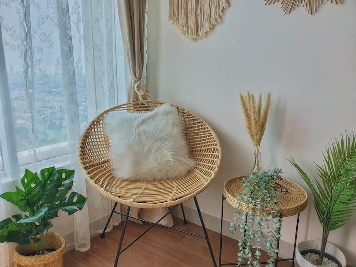 Cozy Aesthetic Room @ Grand Kamala Lagoon Bekasi