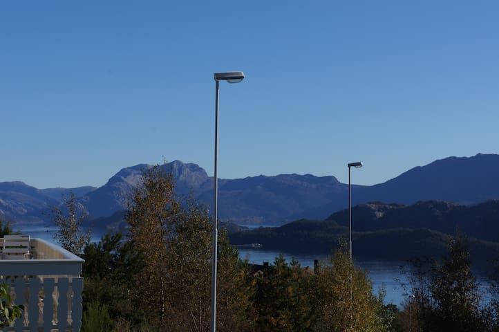 Apartment with a beautiful view over Florø