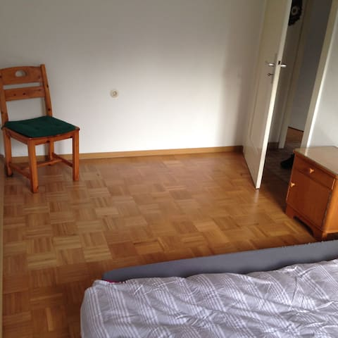 Private room in shared house Weinberge/Stuttgart