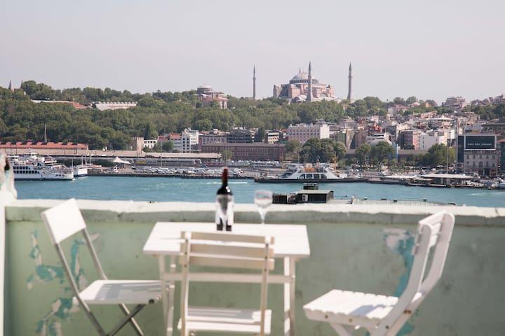 Historical Galata Flat &3BR&Terrace - Beyoğlu - Apartment