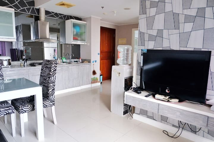 Waterplace 2BR,High Speed Wifi,Cable TV, near Mall
