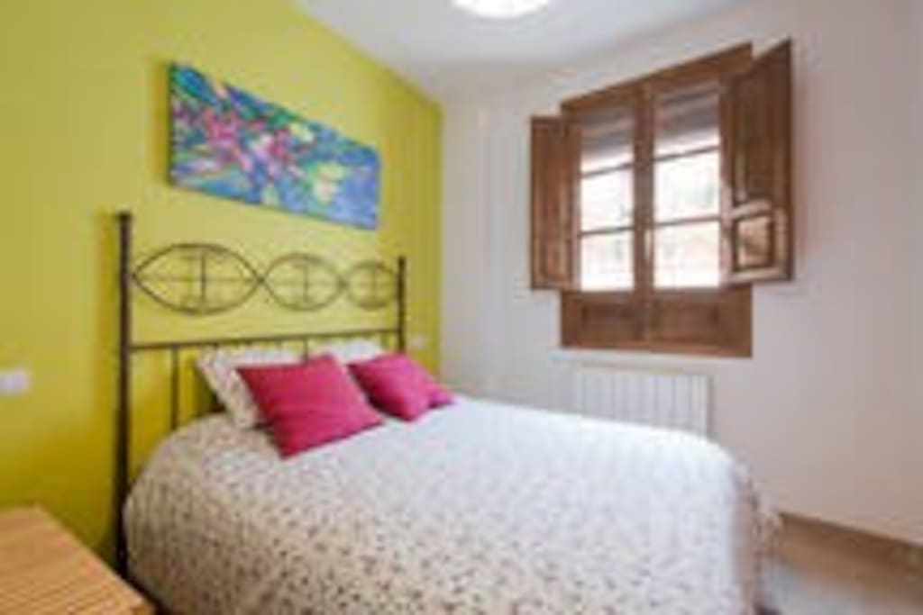 Dormitorio 1: cama doble