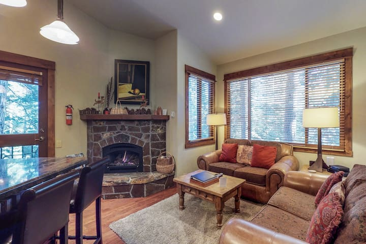 Practically ski-in/out getaway w/ a communal pool, hot tub, & tennis courts