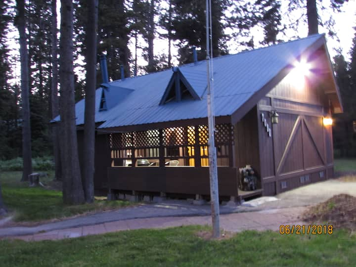 W. Shore Lake Tahoe Guest Cabin - Sleeps 2 +2 kids
