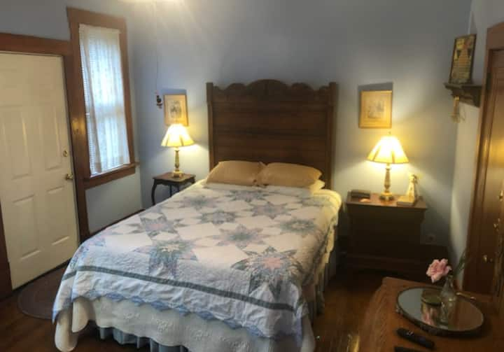 Becca's Room at the historic Hardy Stonehouse Inn