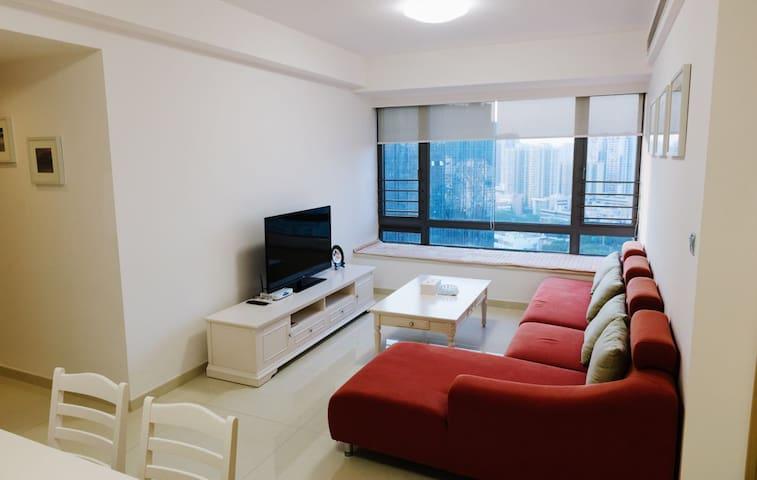 拱北 温馨舒适高楼层城景豪华家庭套房 - Zhuhai