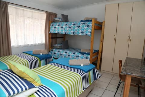 Mechell's Accomodation Family unit
