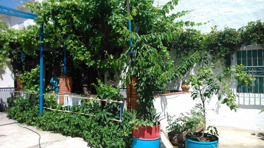 CASA EN EL PONIENTE GRANADINO - Granada - Rumah