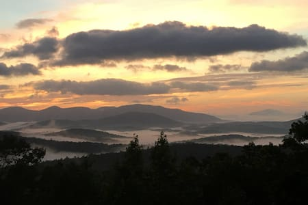 Above the Clouds in Dahlonega - Wohnung