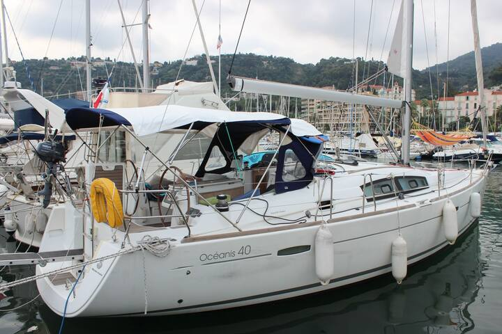 Yacht week travel planner 3 bedrooms rental