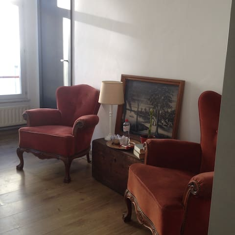 Cozy vintage room for 2 in center - Anvers - Daire