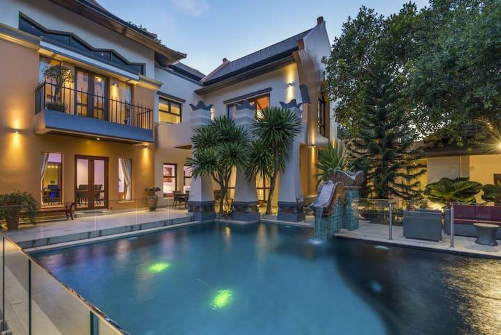 Luxury pool villa, 6 Bedrooms  6 Bathrooms 7 beds