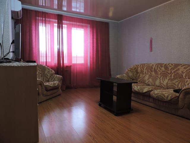 Апартаменты на улица Чкалова, 65-8