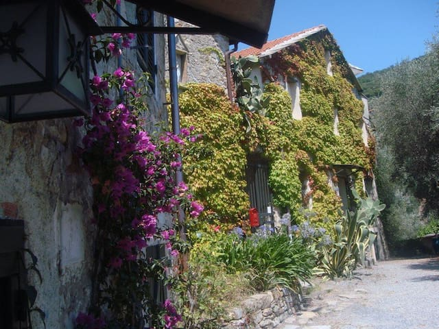 Urlaubs-Idyll in ligurischem Bauernhaus - Diano Arentino - Hospedaria