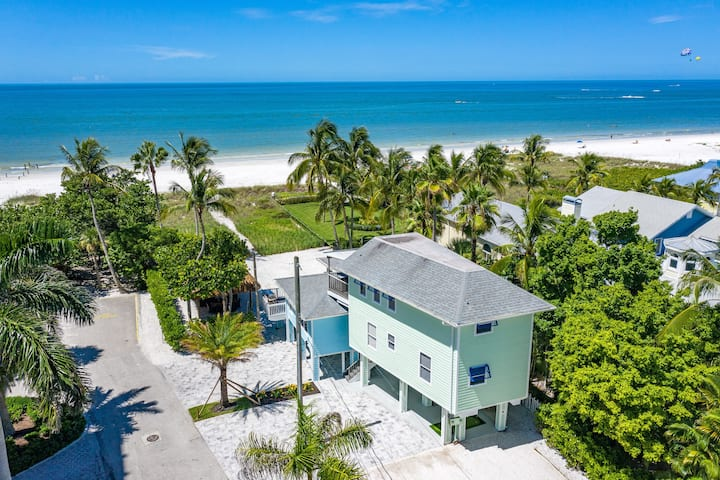 Onda Dolce Green. Beachfront house with ocean view