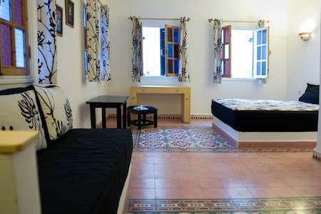 Studio 2/3 pers en Médina avec Terrasse 1er étage - Essaouira