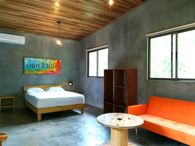 Spacious modern  suite by the beach,  Shakti J