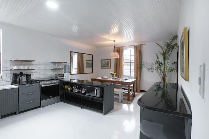 2.5 bedroom in Xela 3 blocks from the central Park