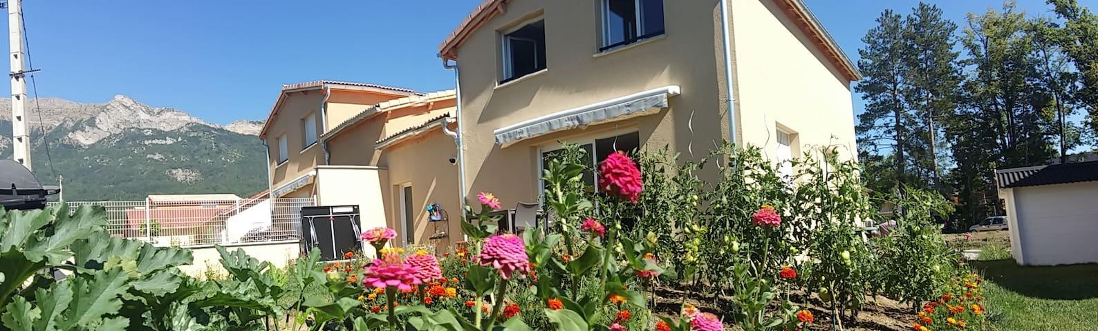 Maison neuve proche centre ville 80m2 - Gap - Rumah