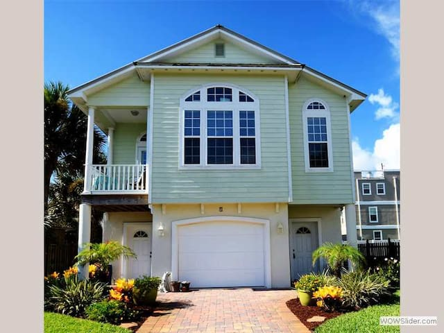 Island Breez - A Real Gem Steps from Beach and St Augustine Pier - St. Augustine - Haus