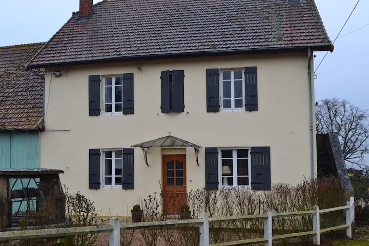Maison Les LILAS en Charolais