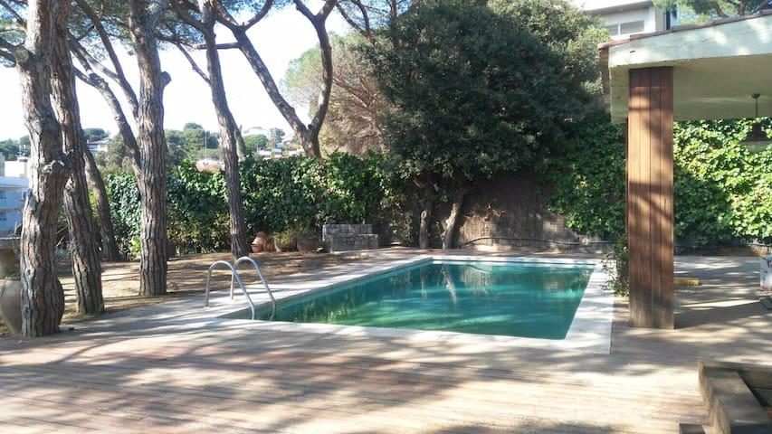 Villa, private swimming pool, close to the harbour - Arenys de Mar - Rumah