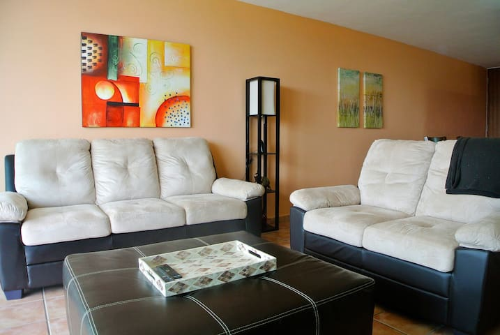 3-BR condo with ocean view, power, water and wifi!