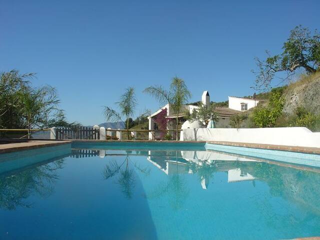 Villa encantador en finca hermosa - Alozaina - วิลล่า