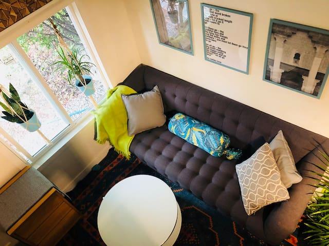 Inner-City Tiny House - Sustainable & Modern