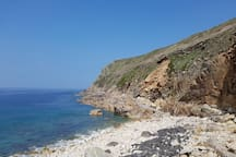 Rugged cliffs and coastline- the South West coast path is just 10 minutes from the cottage.