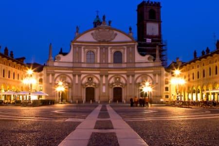 studio nel cuore di Vigevano #EXPO - Vigevano