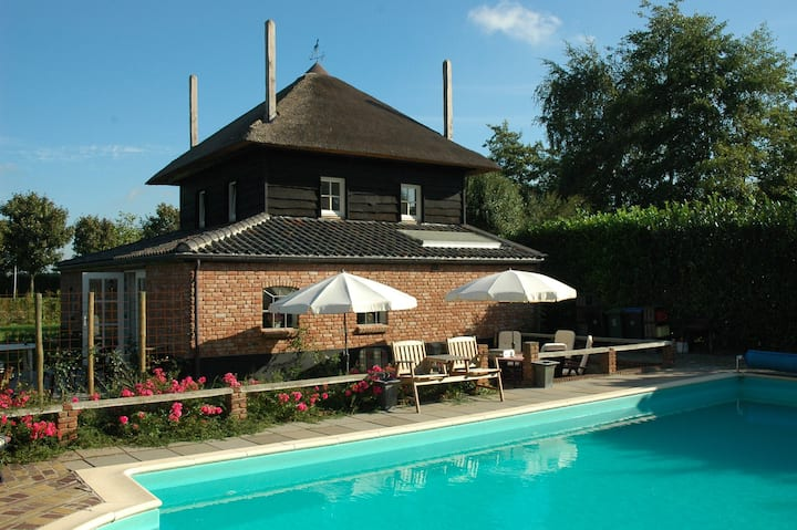Lodge Blauw with swimming pool