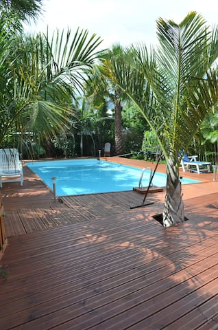 Location F2 avec Piscine - Saint-Louis - Huoneisto