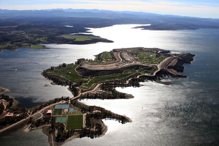 Fanstatic House Golf and Lake view - La Isla de Valdecañas - Hus